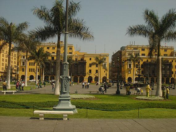 és végül: Lima főtere