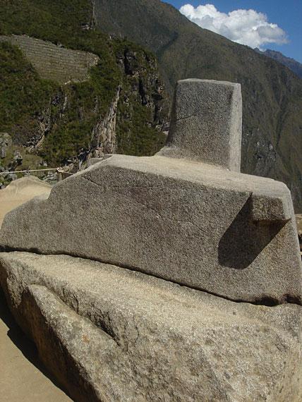 Oltár, ami egyben napóra is